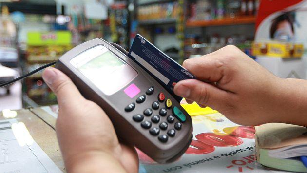 Peruanos mantienen la confianza a la hora de comprar con tarjetas. (USI)
