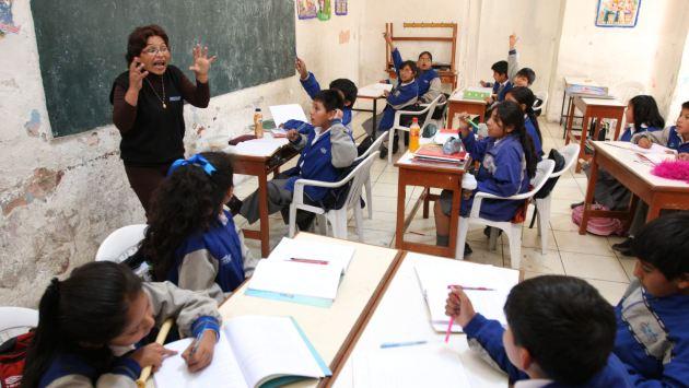 Precios inflados limitan el acceso de miles de escolares a textos educativos de calidad. (Heiner Aparicio)