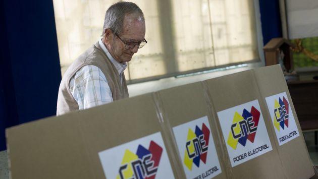 Los padrones electorales de la votación se queman para evitar represalias. (Reuters)