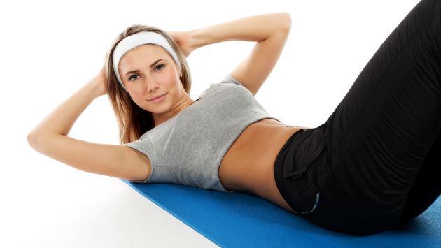 Los abdomen tonifican los músculos, pero no quemas los 'rollitos'. (USI)