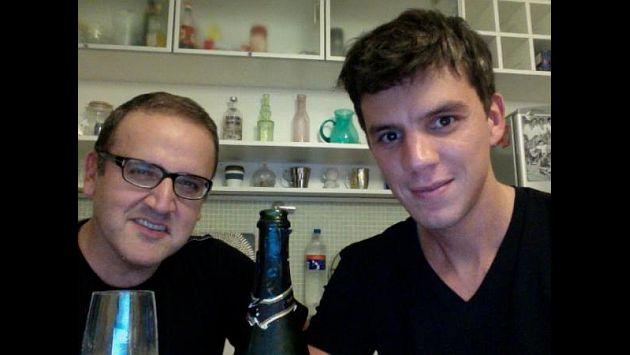 Ortiz se encuentra en Buenos Aires. En la imagen, junto a Luis Corbacho. Foto: @malditaternura