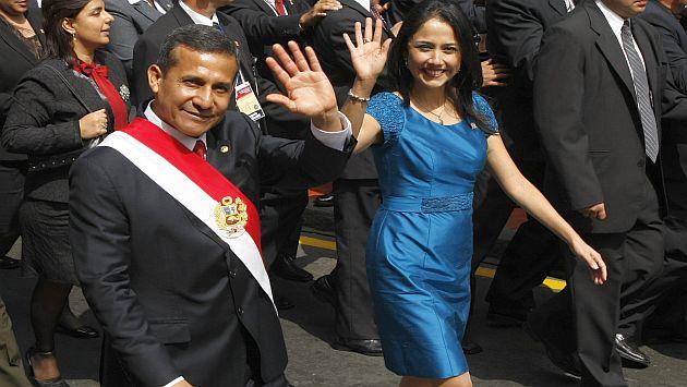 Humala se retiró del Congreso acompañado por su esposa. (Luis Gonzales)