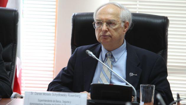 Schydlowsky refirió que las comisiones bajarán 10% cada año. (USI)