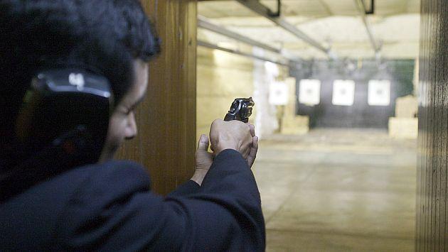 Sin control. Los exámenes médicos y las pruebas de tiro, requisitos para obtener las licencias, también son adulterados. (USI)