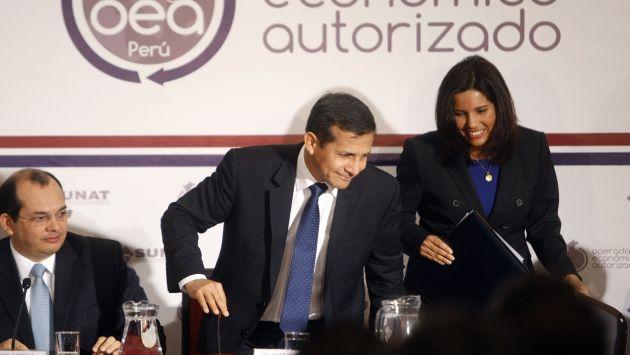 Presidente Humala y jefa de la Sunat no explicaron cómo ampliar los ingresos tributarios. (David Vexelman)