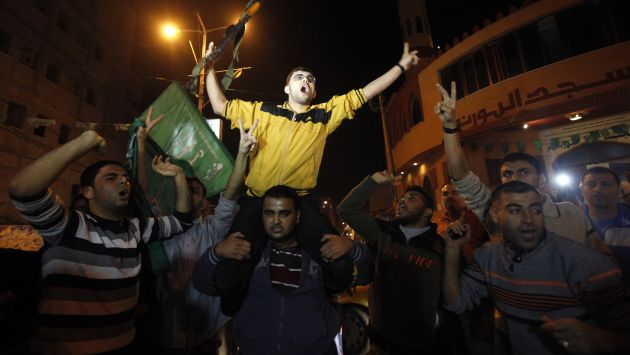 ALGARABÍA. Palestinos en franja de Gaza festejaron tregua como un triunfo sobre Israel. (Reuters)