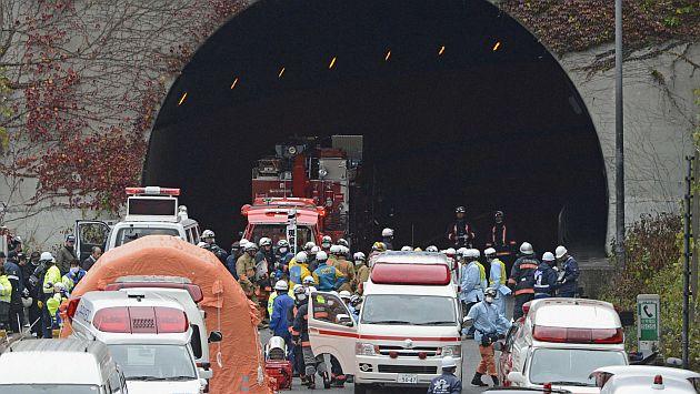 EMERGENCIA. Los rescatistas seguían en la búsqueda de víctimas. (Reuters)