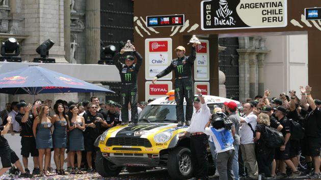 La ltima edicin del famoso rally mundial concluy en la Plaza de Armas de Lima. (USI)