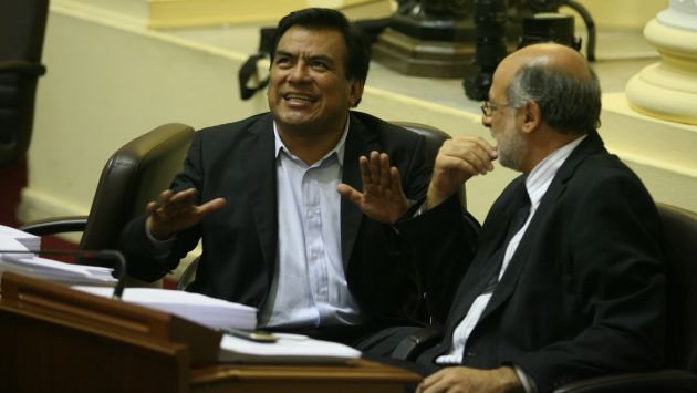 GRAVE IMPUTACIÓN. Velásquez señaló que Abugattás también le pone trabas a la gestión de Isla. (Luis Gonzáles)