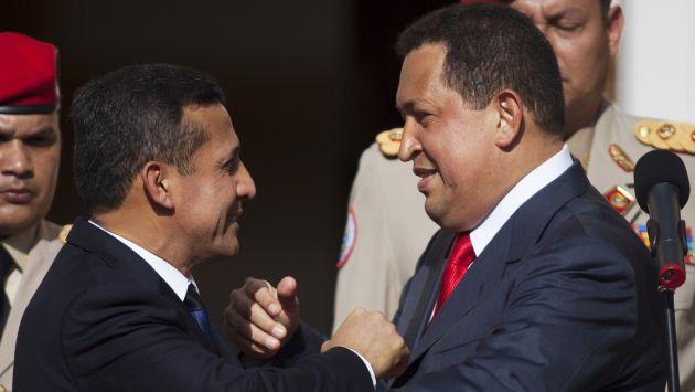UNIDOS POR LAS ARMAS. Humala y Chávez son aliados políticos. (Reuters)