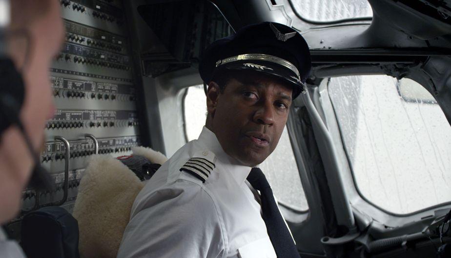 Denzel Washington es uno de los nominados en la categoría de Mejor Actor de los premios Oscar por la película 'Flight'. (AP)