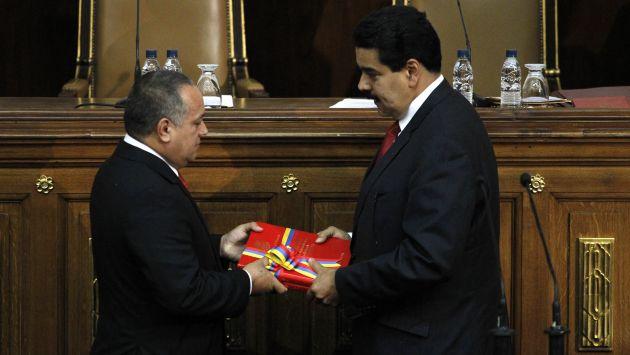 ¿Unidos? Pese a rumores de distanciamiento, Cabello y Maduro volvieron a mostrarse cercanos. (Reuters)