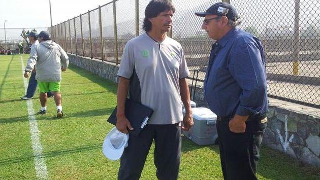 Markarián y el DT crema Ángel Comizzo charlan en Ate. (Carlos Lara)