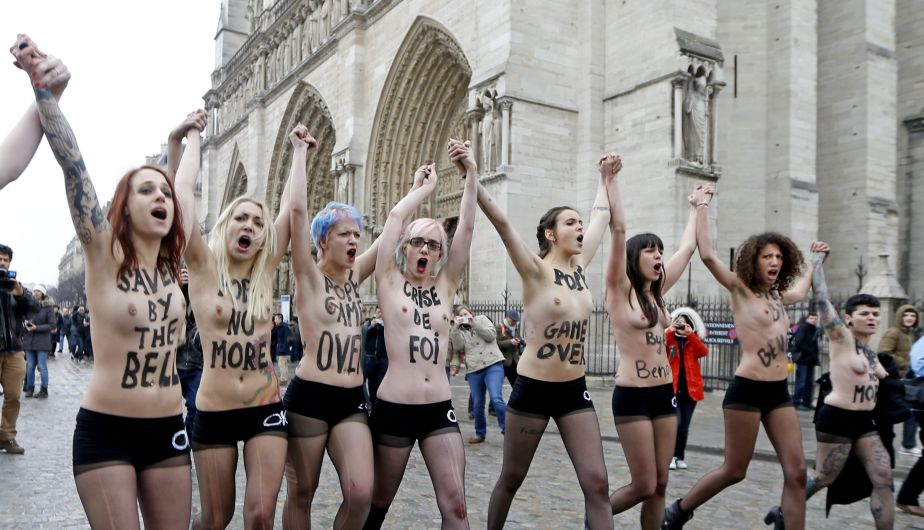 Benedicto XVI, Papa, Renuncia, Celebracin, Femen, Topless, Dimisin, Festejo