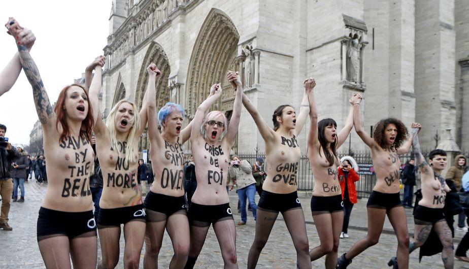 Benedicto XVI, Papa, Renuncia, Celebración, Femen, Topless, Dimisión, Festejo
