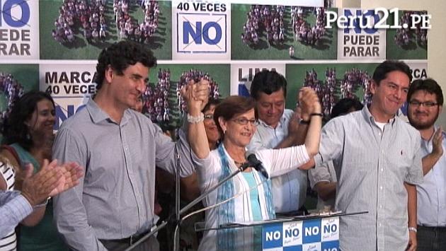 Villarán declaró rodeada de sus colaboradores. (Perú21)
