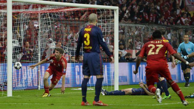 CAPO. Müller celebra el cuarto. Bayern vengó el 0-4 de la Champions 2009. (AFP)