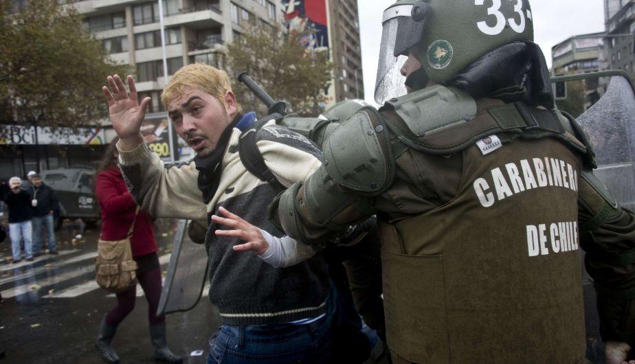 Chile, Santiago de Chile, Protesta estudiantil, Carabineros, Policía chilena, Estudiantes universitarios, Manifestación estudiantil
