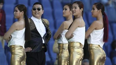 VIDEO: PSY es abucheado en final de Copa de Italia