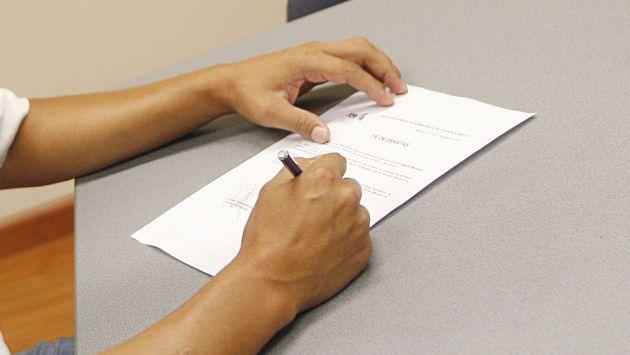 Un notario puede cobrar, en promedio, 15 soles. (USI)