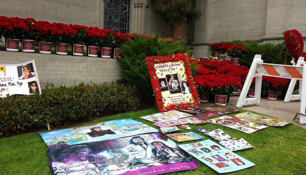 Muerte de Michael Jackson, Rey del pop, Forest Lawn Memorial Park