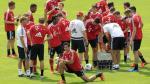 Claudio Pizarro fue 'apadrinado' por Müller y Lahm - Noticias de phillip lahm