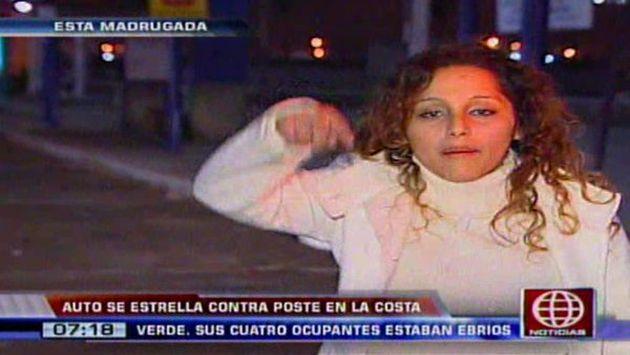 Esta es la joven que arremetió contra los policías. (América TV)