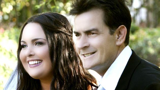 Cassandra Jade en el día de su boda junto a su padre. (FlashCity.com)