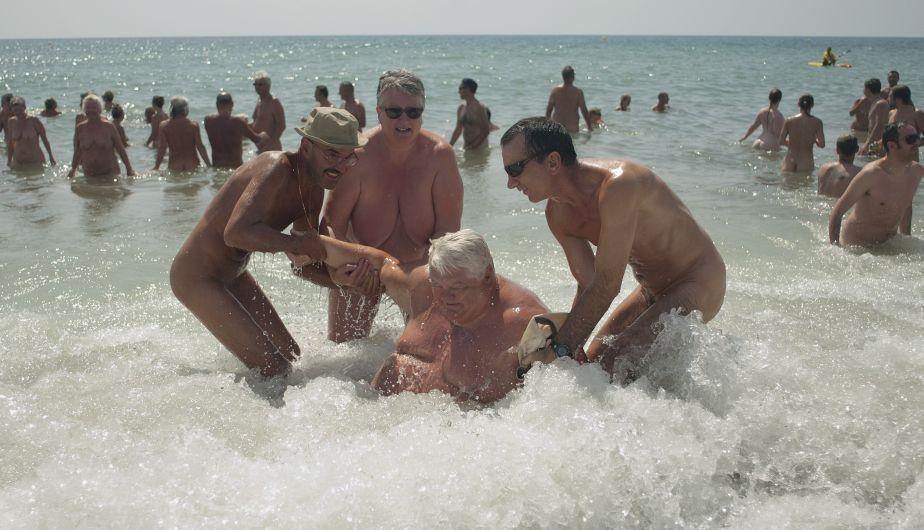 En la playa con mi hermana - Relatos eroticos sexycharlas