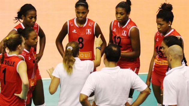 Las dirigidas por Natalia Málaga esperan a su rival de octavos de final. (FIVB)