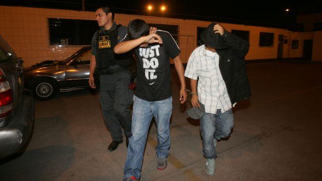 Fueron detenidos libando licor en su colegio (USI/Referencial)