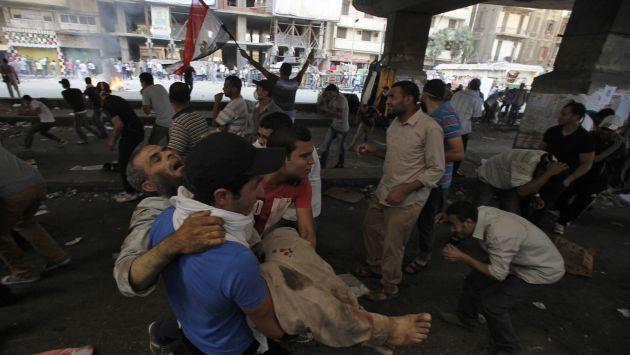 Heridos en El Cairo por enfrentamientos de ayer. (Reuters)