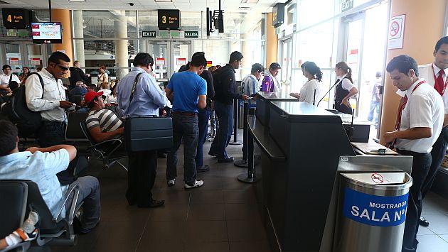 Peruanos inician registro para poder regresar al país. (USI)