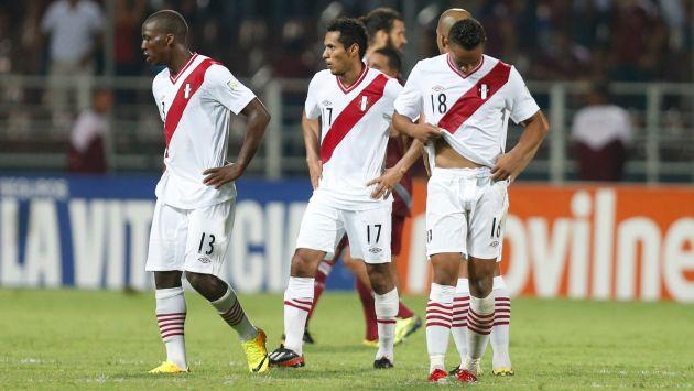 FUERA DE CARRERA. El gol de Hurtado despertó la ilusión del país. Pero todo se derrumbó porque Venezuela fue más que Perú. (AP)