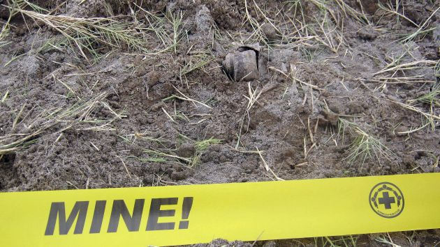 Colombiano perdió el pie tras pisar mina. (EFE)