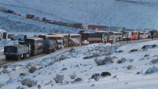 Nieve en Ticlio dificulta el tráfico vehicular. (USI)
