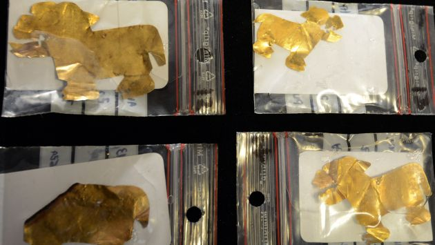 Láminas de oro fueron encontradas en el fondo del lago. (AFP)
