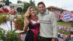 FOTOS: Jugadores del Bayern Múnich acuden al Oktoberfest con bellas esposas - Noticias de trajes típicos