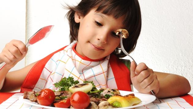 Niños con trastornos alimenticios. (USI)