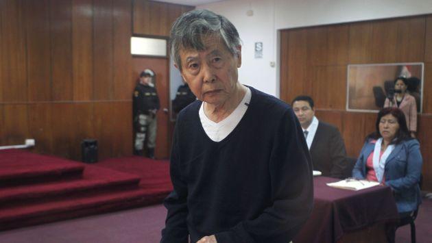 Alberto Fujimori volvió a aparecer con un look como para dar pena. (Perú21)