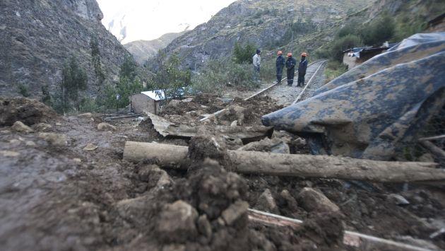 Obreros removían lodo y tierra cuando fueron sepultados por el alud. (USI/Referencial)