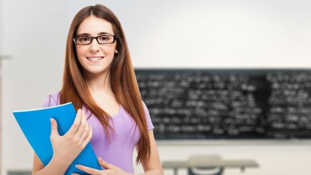 Las entidades financieras ofrecen créditos flexibles* para costear los estudios. (USI)