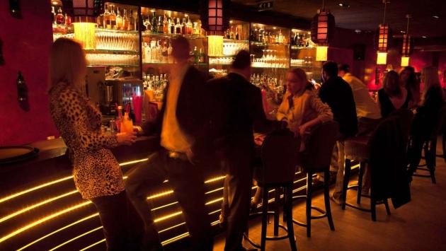 Decoracion Bar Karaoke ~ Dentro del local se pueden desarrollar eventos deportivos, karaokes