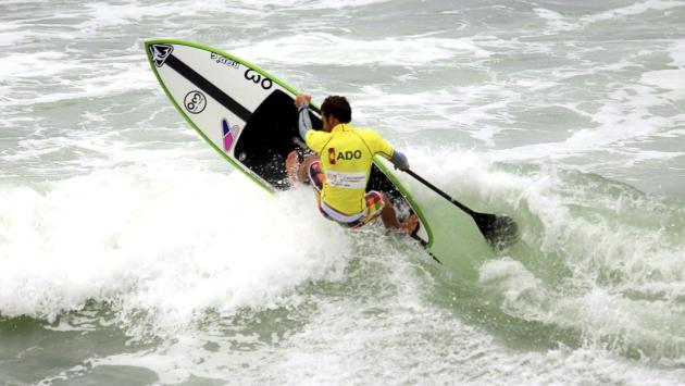 Tamil Martino brilló en el mar de Punta Rocas al ganar dos medallas de oro. (EFE)