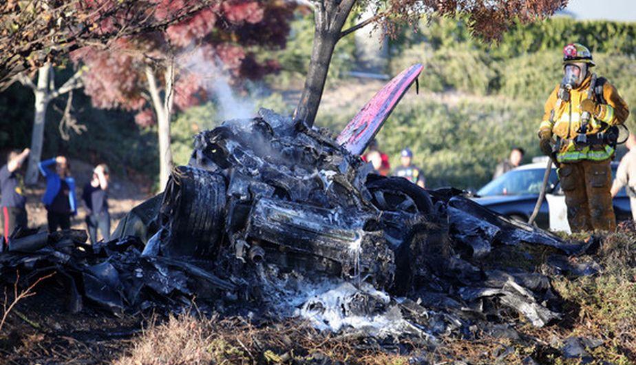 La Policía investiga si el accidente en el que murió Paul Walker se debió a una falla humana o una falla mecánica. (Splash News)