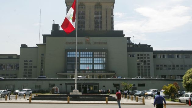 William postigo asume cargo de iv n vega en el ministerio for L ministerio del interior