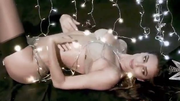 Irina Shayk protagoniza sensual video de Navidad. (Love Magazine)