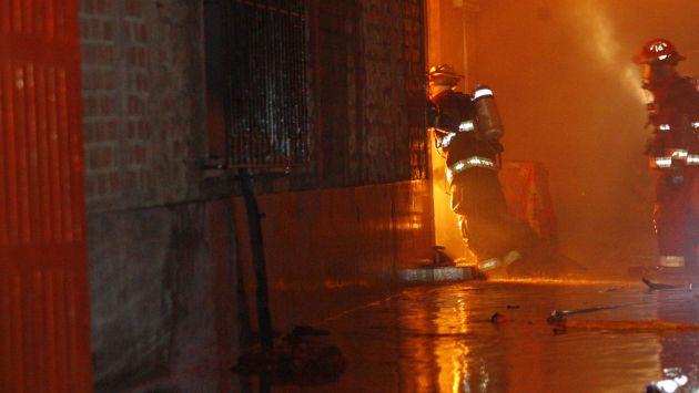 Bomberos atendieron cuatro grandes incendios en Lima y Callao durante Navidad. (USI)