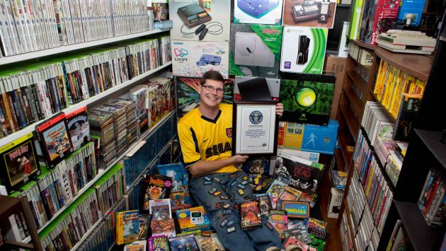 'Gamer' logra récord Guinness con sus casi 11,000 videojuegos. (AP)