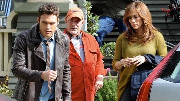 Jennifer López y Ryan Guzmán durante la filmación de la película ...